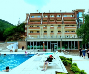 Елак отель